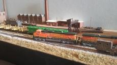 BNSF rumbles through Allied Rail