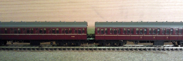 Graham Farish Suburban Coaches 2