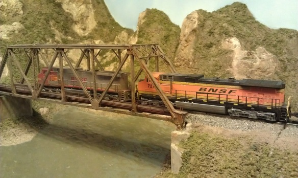 Horsethief Bridge NMRA 2014 - BNSF On The Bridge