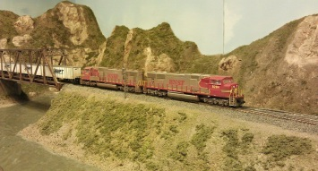 Horsethief Bridge NMRA 2014 - BNSF Trailer Train 2