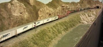 Horsethief Bridge NMRA 2014 - BNSF Trailer Train 3