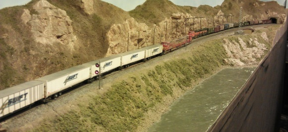 Horsethief Bridge NMRA 2014 - BNSF Trailer Train 3