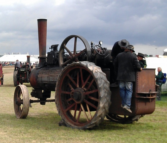 GDSF 2015 Traction Engine Timber Clad 1