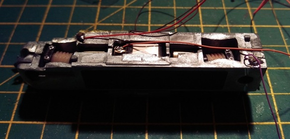 Bacmann F7 DCC Install 23