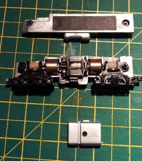 Bacmann F7 DCC Install 3