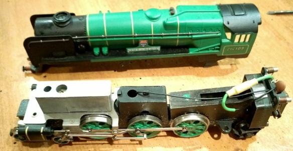 Fitting DCC to Wrenn OO Locomotives – Horizontal Motors