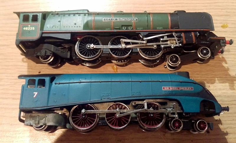 WRENN Rebuilt BULLEID TWO West Country Class under-cab chassis to body screws